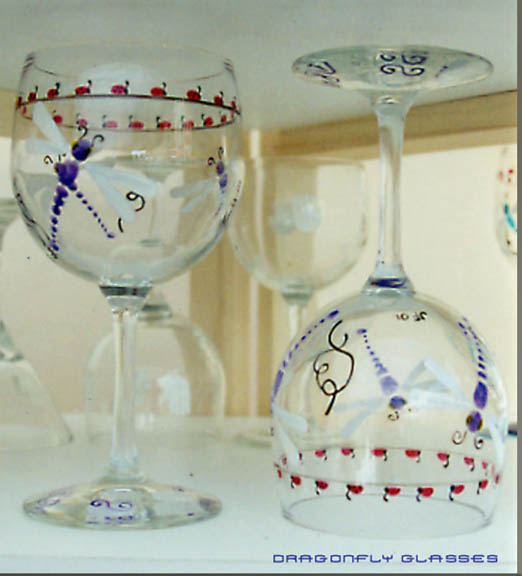 Dragonflies and ladiebugs Red Wine glass